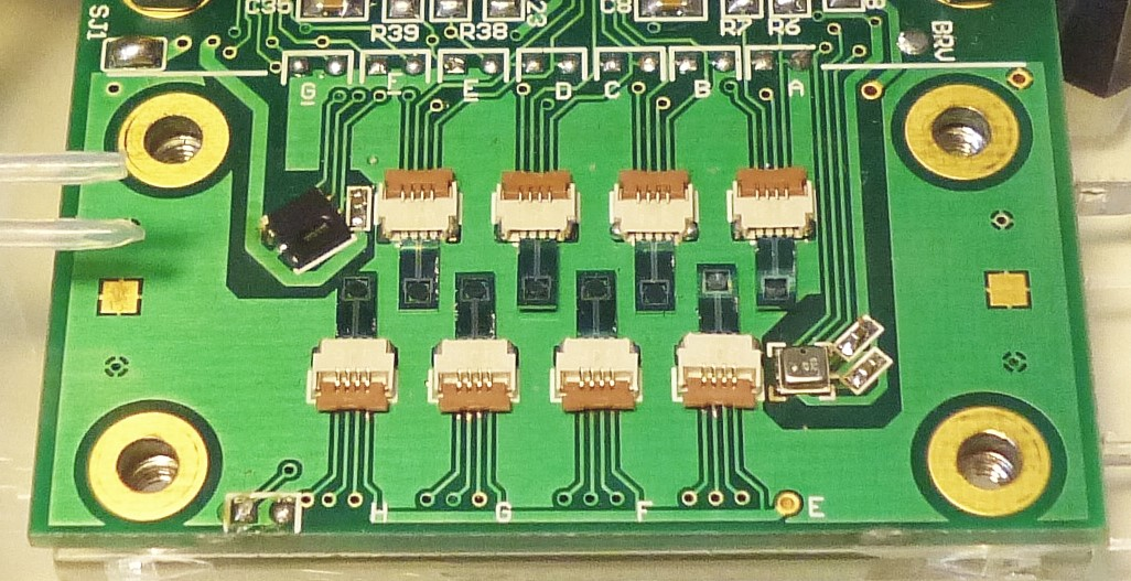 inside NANOSENSORS MSS-8RM - sensor board for maximum 8 Membrane-type Surface Stress Sensor (MSS)